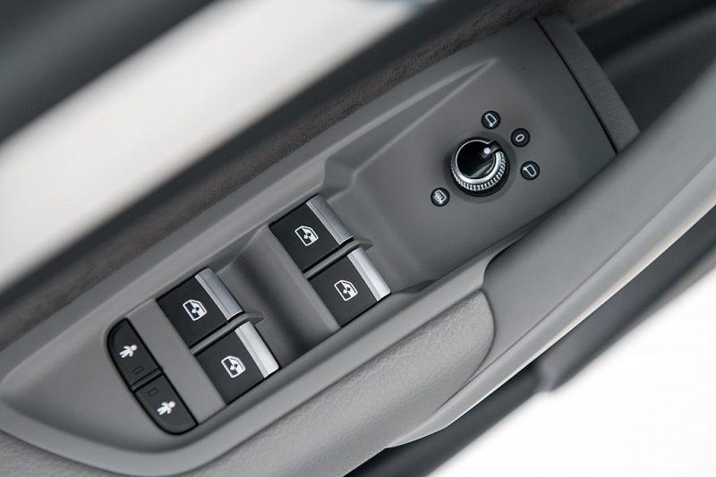 1379122_1406447103377_slide bei Autohaus Hösch GmbH in